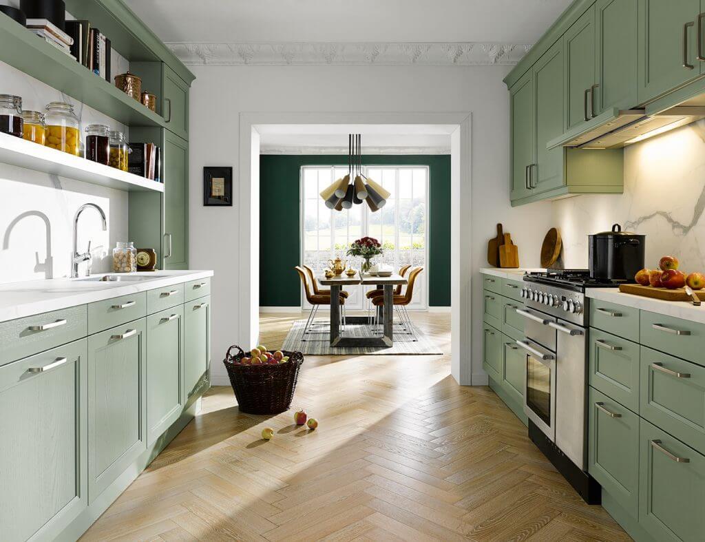 Finca Country Style - moderná country kuchyňa s čistými líniami a rôznorodou ponukou farebných povrchových úprav.